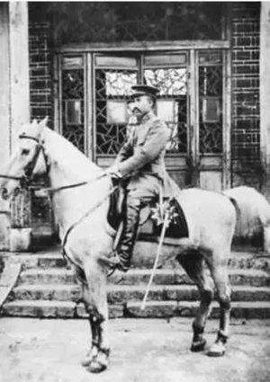 ▲1916年,朱德任护国军上校团长。