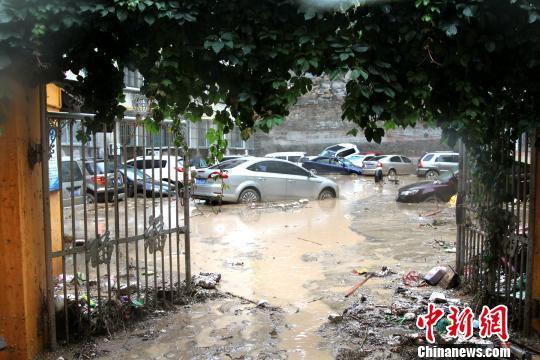 洪灾后的陕西绥德:泡在洪水里的繁华街市(图)