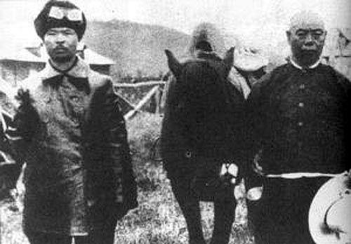 图注:被东北军处决的日本间谍中村震太郎(左)
