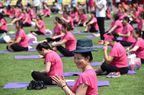 西媒看中国产妇坐月子:有些习惯已过时当摈弃|产妇