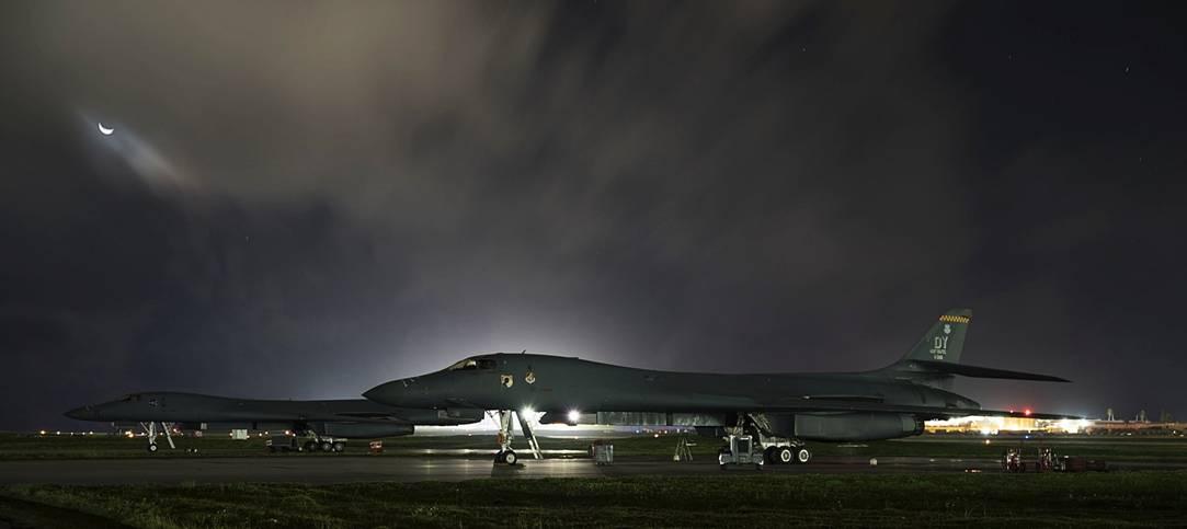 关岛基地的美空军B-1B战略轰炸机