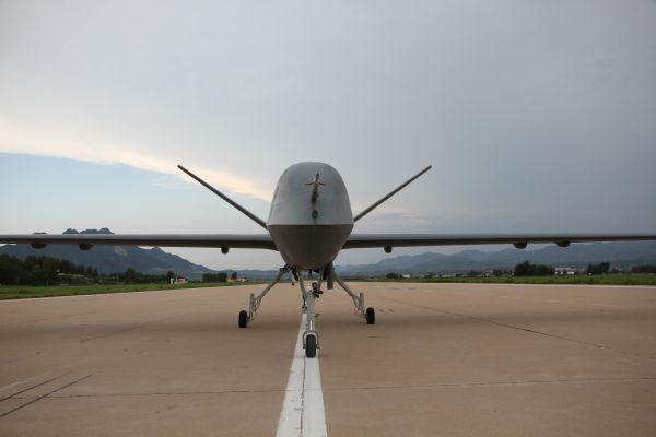 我国量产型彩虹五无人机试飞成功。新华社记者 白国龙 摄
