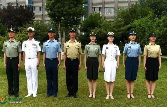 ▲官兵着夏常服帽展示图。中国军网 图