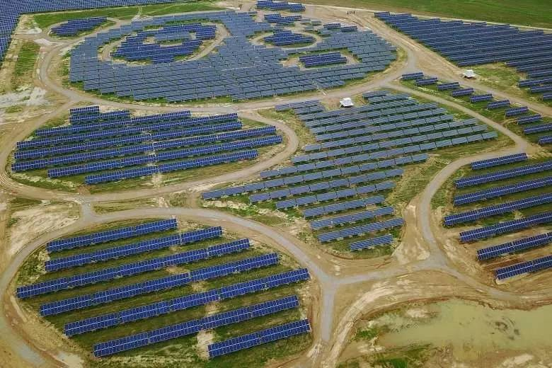 位于中国山西大同的一座太阳能发电厂