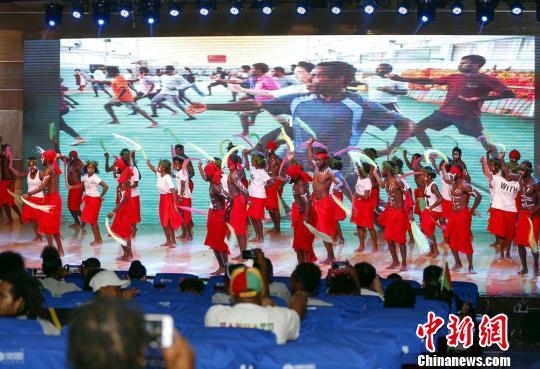 瓦努阿图来湘集训队在岳阳进行国度独立日庆典运动