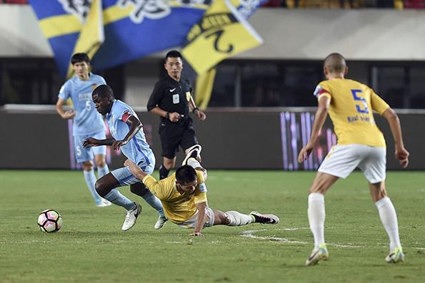 :比赛中断半小时,却只补时5分钟 卡佩罗 足球 高