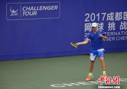 成都国际网球挑战赛:中国小将张之臻憾负凯曼