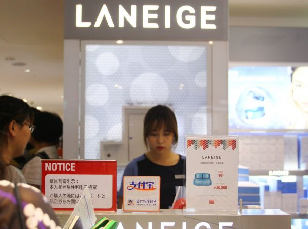 韩媒:萨德致乐天购物利润锐减95% 短期内难现转机