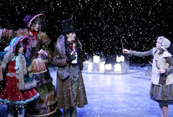 《卖火柴的小女孩》:魔幻和童真才能真正打动