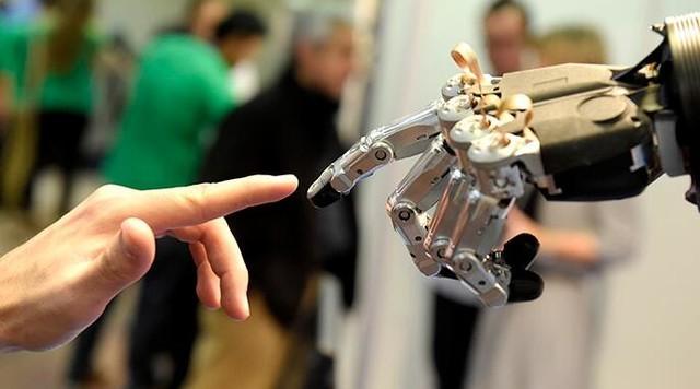 现阶段智能机器人火爆