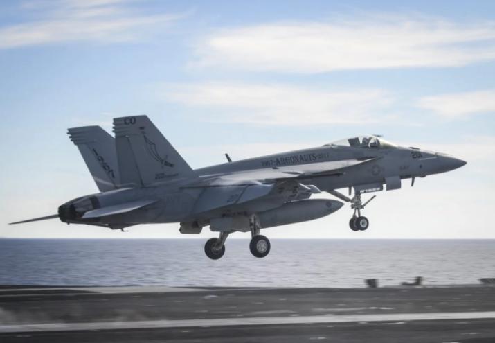 美军F/A-18E战斗机