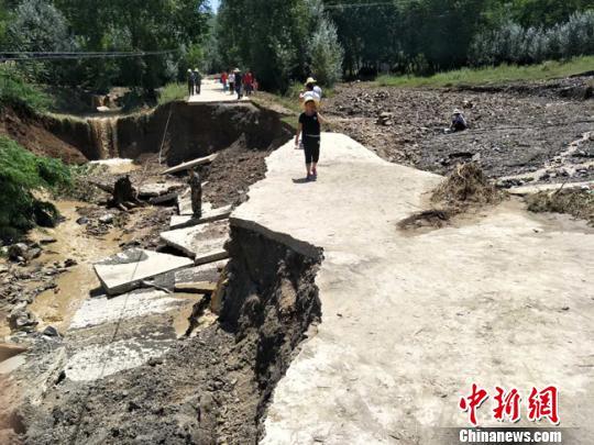 甘肃礼县遭暴雨灾害 预计经济损失超2亿元(图)