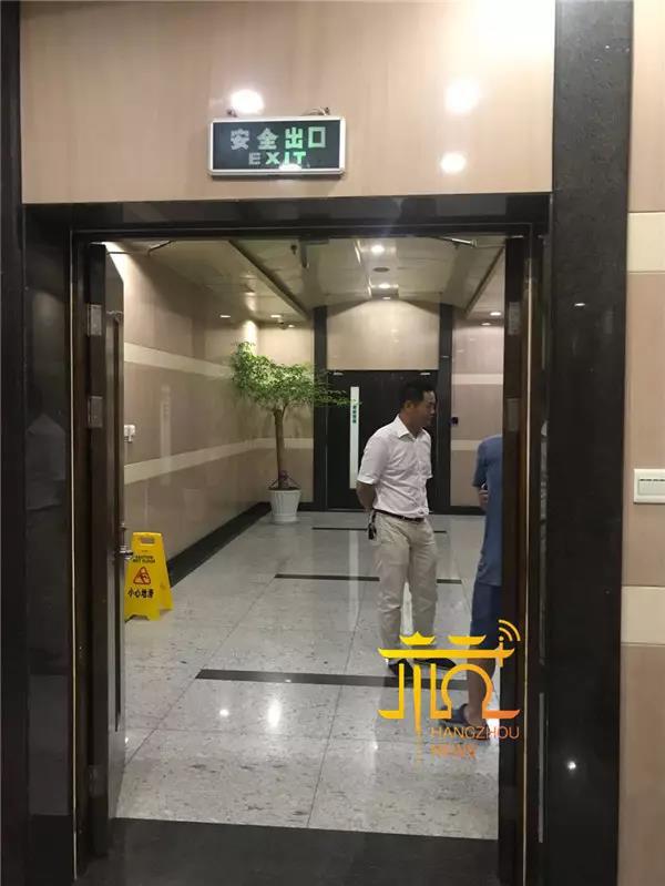 GPI电子:渣土车恶意冲撞执法人员_碾压致其十根肋骨骨折