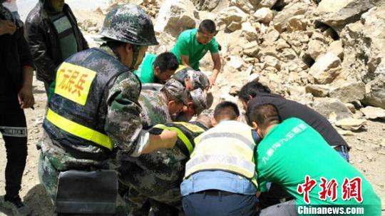 图为救济现场。 广元救济队供给