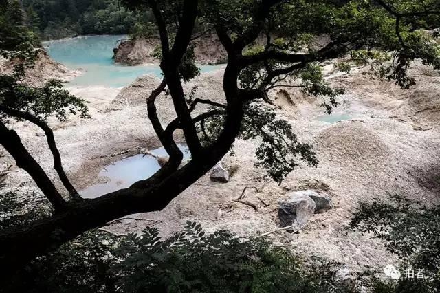 ▲地震后的火花海。
