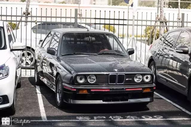 偶遇一辆30年前的宝马M3 比丰田AE86还要少见!