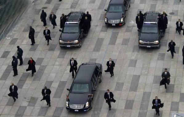黑帮大佬都开什么车?还是香港的洪门帮最厉害