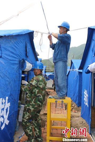 甘肃文县有序安置泥石流受灾民众