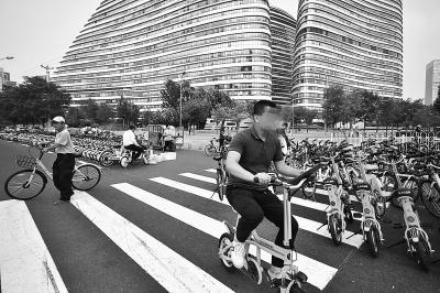 无车牌不显示时速 被叫停的共享电单车仍未停