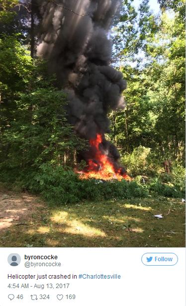 网友上传的飞机坠毁现场。