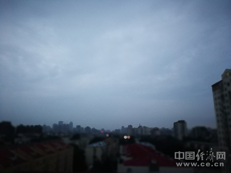 北京发布雷电黄色预警信号 局地短时雨强较大