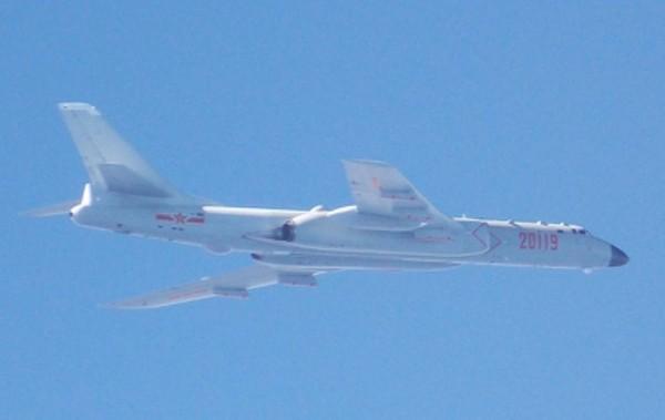 台防务部门公布的解放军轰-6照片