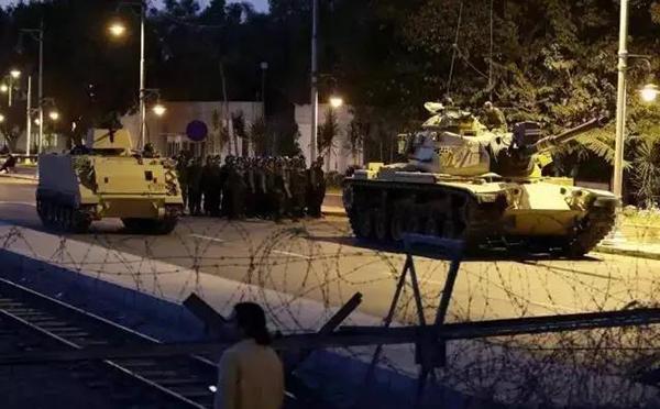 交通封锁。来源:中国驻土耳其大使馆微信