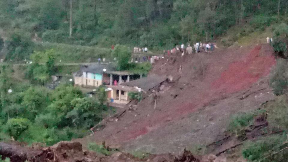 印度山体滑坡已致至少46人死亡 救援仍在进行
