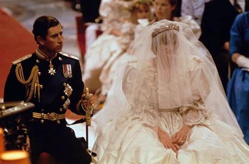 戴妃秘密影片影响大 英国7成民众拒卡米拉 上位
