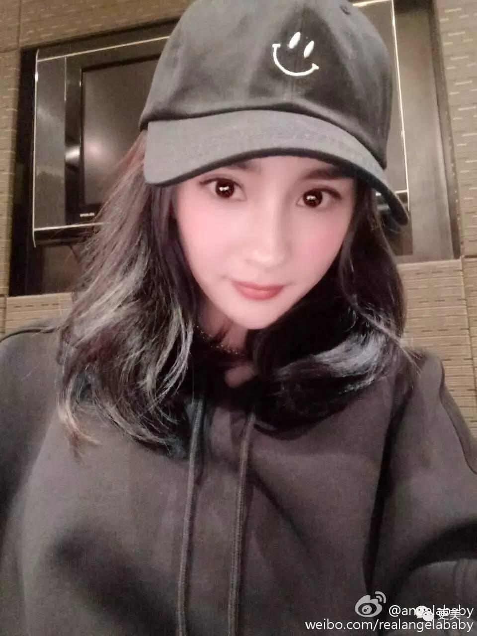 """佟丽娅前阵子在微博po出短发素颜照,粉丝直呼:""""皮肤状态真的太好啦"""""""