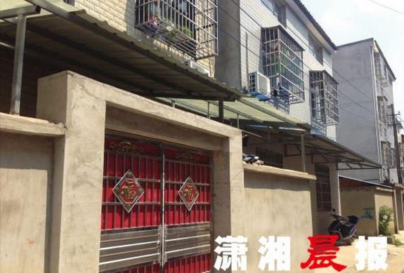 8月15日,钟祥市莫愁湖社区附近建新巷的一处私宅,林华蓉生前曾被困于此处的传销窝点。潇湘晨报 图