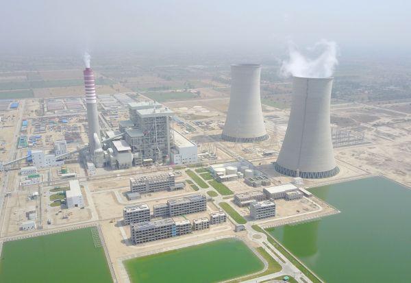 中巴经济走廊萨希瓦尔燃煤电站1号机组顺遂投产发电。新华社记者 刘天 摄