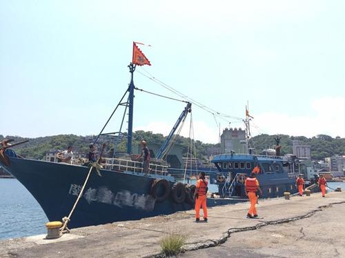 8月19日被查的大陆渔船。(图据台媒)