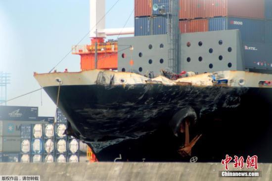 [与美军舰发生碰撞事故的菲律宾货船。该船全长222.6米,满载排水量为2.9万吨。] 资料图:与美军舰发生碰撞事故的菲律宾货船。该船全长222.6米,满载排水量为2.9万吨。