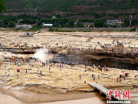 图为黄河壶口瀑布。 高庆国 摄