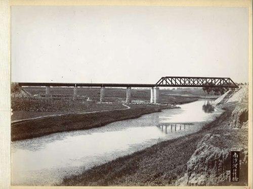 建成之初的南沙河大桥,由东向西拍摄(王嵬提供)