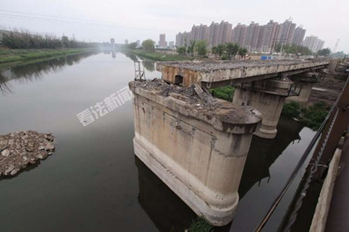 照片中的5号桥墩,系南沙河大桥被拆后遗存下来的唯一老桥墩