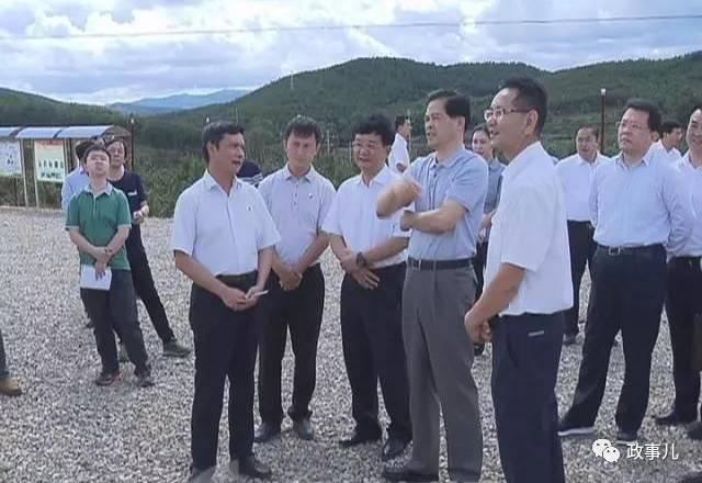 据外地政府公布之图片显示,陈豪调研时代,杨斌伴随。