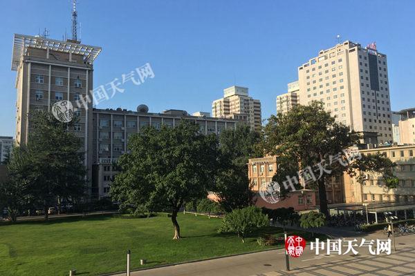 24日,北京以晴好气象开端了新的一天。