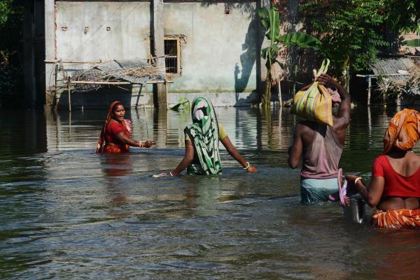 南亚多国遭遇特大洪水:逾800人死亡,2400万人受灾