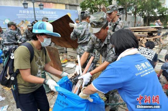 澳门海关联同多部门走进社区 宣传台风