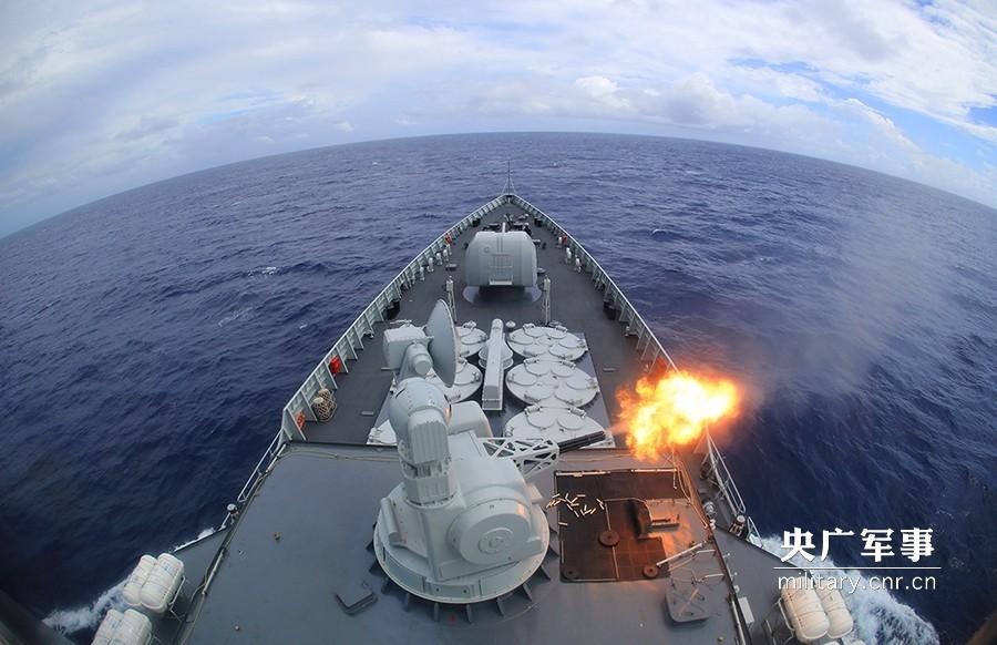副炮对海射击。禹威摄