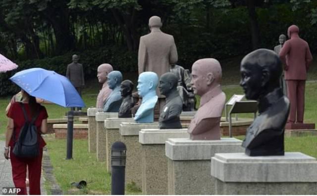 慈湖纪念雕塑公园的蒋介石像