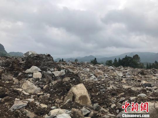 贵州纳雍发生一起山体滑坡致1人遇难37人失踪