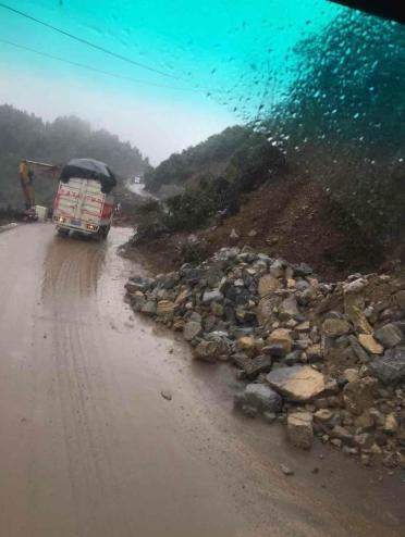 驰援贵州纳雍 苏宁首批救灾物资连夜送抵灾区
