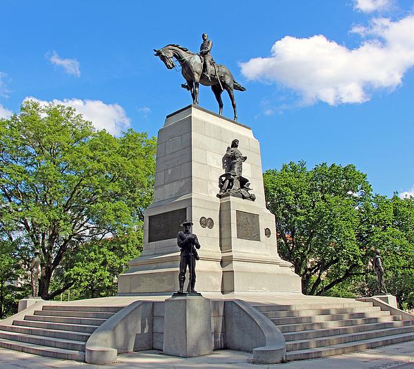 美国人的内战纪念碑之争:推倒雕像也抹不去历史