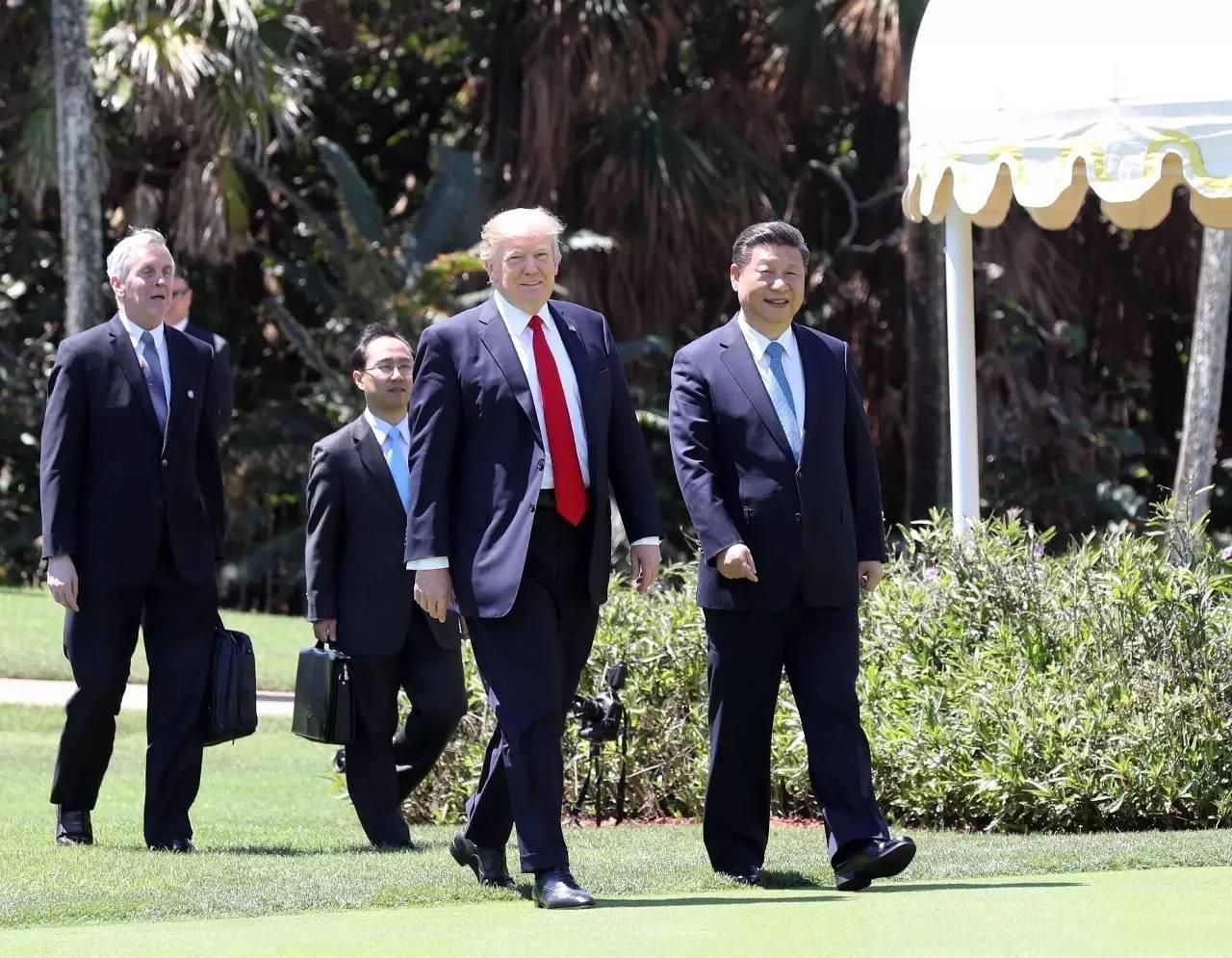 ▲材料图片:外地时光4月7日,国度主席习近平在美国佛罗里达州海湖庄园同美国总统特朗普举办正式会见。