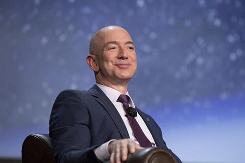亚马逊创立初期 所有员工都是CEO贝佐斯亲自面试