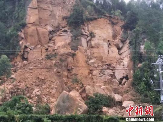 山体滑坡处现状 荣县宣传部 供图 摄