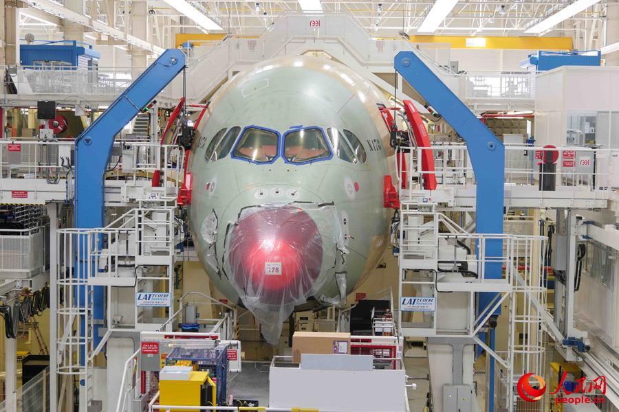 飞机舱门液压结构
